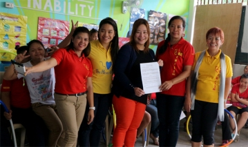 [L-R]: Nitz Caliwan, Patti Rivera, Teacher Ana Rivera, Sanny Bautista
