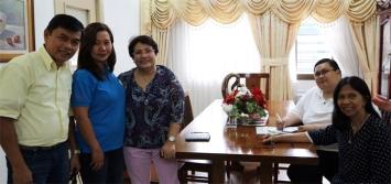 [L-R]: E.D. Gil Reoma, Ms. Weng Tiongson, GMEFI Pres.Even Dominguez, Mirana Medina, Mr. Ely dela Cruz